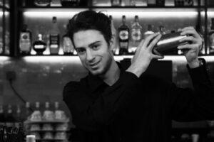 Léandre - Barman